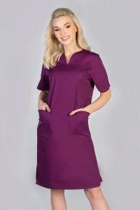 Sukienka zabiegowa w kolorze fioletowym z kieszeniami